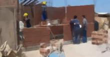 Obreros trabajando en una casa