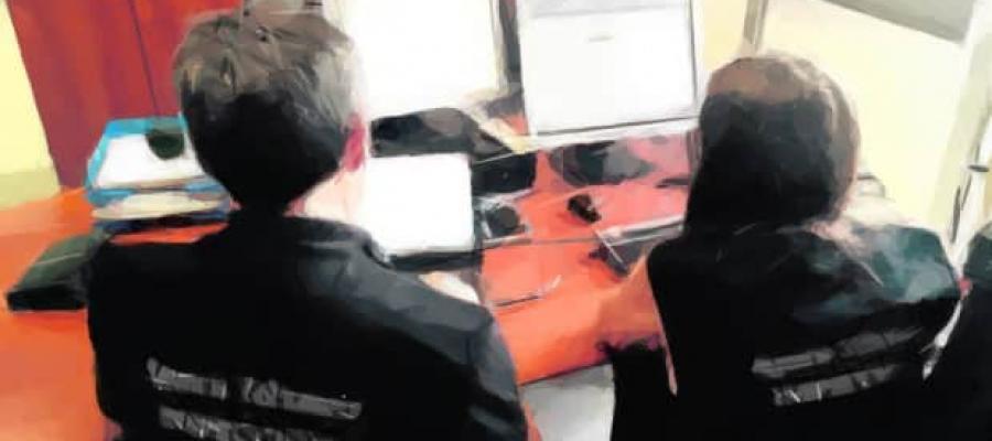 Inspectores de Hacienda trabajando